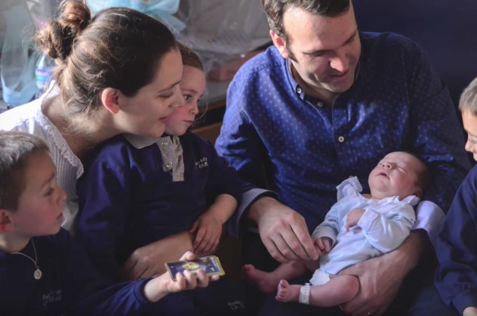 Las primeras horas de Diego en el Hospital & ¡El encuentro de los 4 hermanitos!