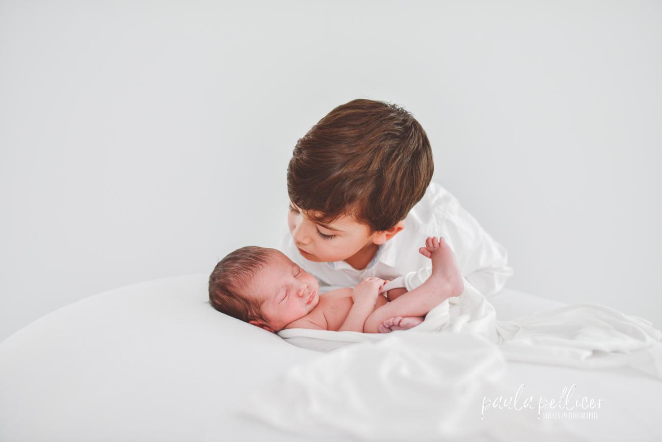 Fotografía Newborn de Bebés Recién Nacidos en Barcelona – Paso a Paso –